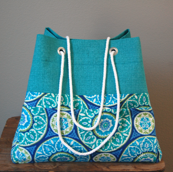 DIY Beach Bag | MadeByJaime for TheFabricMarket.com